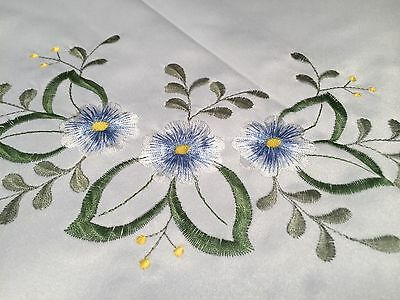 """New FANCO LARGE DAMASK 86X60"""" RECTANGULAR TABLECLOTH White & Blue Yellow Floral"""