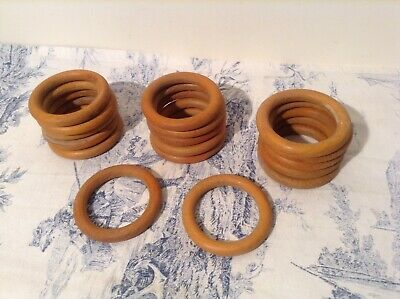 Set 17 French Wooden Curtain Rings (3011)