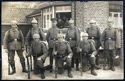 Ww1-German Soldiers With Spike Helmet And Rifle +Top+