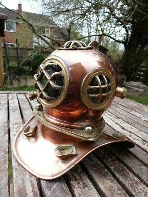 Lovely Vintage Nautical Copper & Brass Small Divers Helmet Ornament.