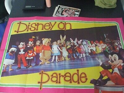 1976 1 poster 3 large plastic bags DISNEY ON PARADE 1 un related item