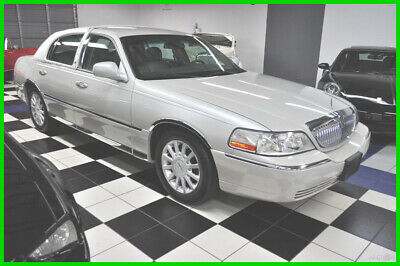 2006 Lincoln Town Car 55K MILES - CLEAN CARFAX - PRISTINE CONDITION - FLORIDA 2006 Signature - pearl white - new top - amazing - ONE OWNER SINCE 07