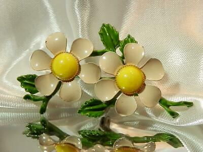 adcdecd43 Vintage 1960's Lovely Beautifully Colored Off-White Enamel Flower Brooch  477A9