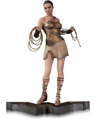 DC Wonder Woman in Training Outfit 12-Inch Statue