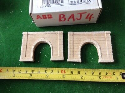 2 X Z Scale Concrete Style Tunnel Entrances ( Painted Pale)