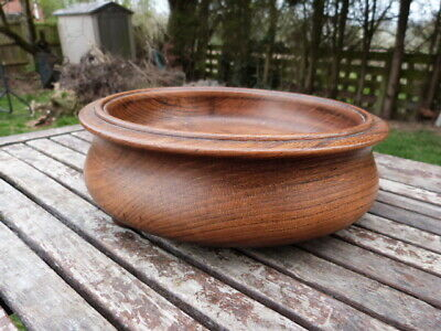 Lovely Antique Vintage Turned Oak Fruit Bowl On Bun Feet.