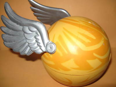 Harry Potter Quidditch Golden Snitch Ball 2001 Tri-Star wings storage