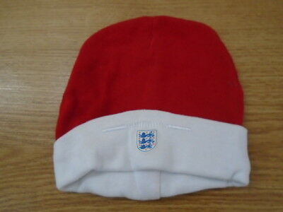 Cute baby boy or girl red and white ENGLAND hat, 3-6 months, worn once