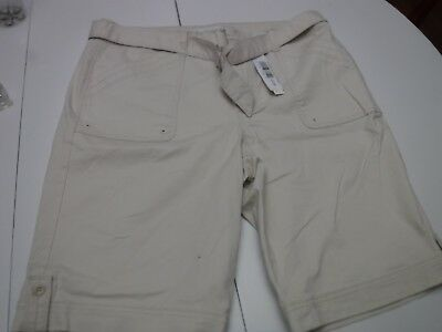 e829a334e9 NWT Women's Gloria Vanderbilt Sierra Short with Belt - Twill Cotton -  Bermuda