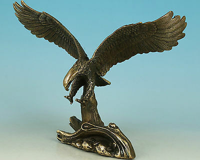 Nice Asian Chinese Old Bronze Handmade Carved Eagle Collect Statue Figure Decor