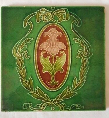 Pretty And Elegant Art Nouveau Floral Bouquet Design Tile