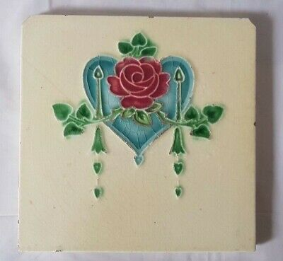 Nice Art Nouveau Heart Shaped Design English Period Tile