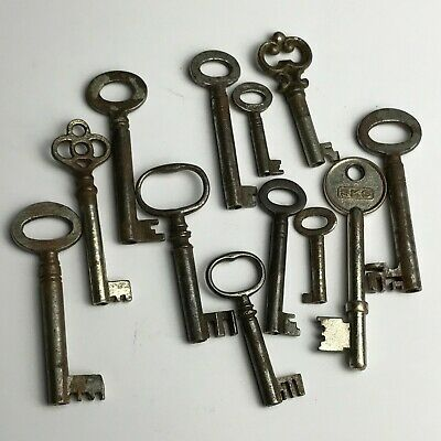 Job Lot Of 12 Antique Skeleton Furniture Barrel Cabinet Old Lock Keys Collection