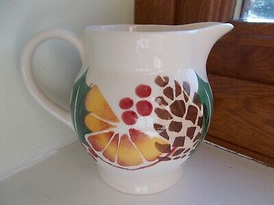 NEW - EMMA BRIDGEWATER Holly and Berry Wreath 1/2 Pint Jug 1st Quality
