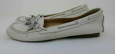 68bf10e1bee9 Michael Kors Womens Size Us 6 1/2M Eur 37 White Leather Daisy Moccasin