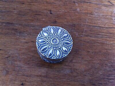 DECORATIVE ANTIQUE SILVER PLATED ROUND PILL BOX 1.2 inches