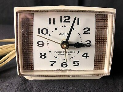 VINTAGE ELECTRIC ALARM Clock Sunbeam EB2030 Wood Panel