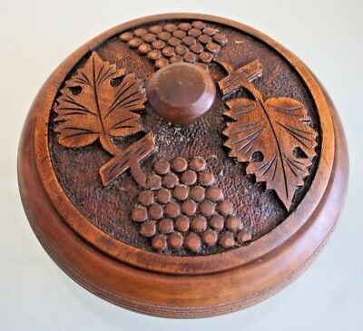 "Vintage French Round Wooden Carved Trinket/Jewellery Box. 4"" (10 1/2cm) Tall"