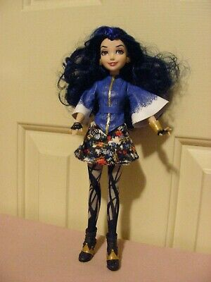 Evie - Descendants, Isle of the Lost -  hinged limbs; blue hair; brown eyes