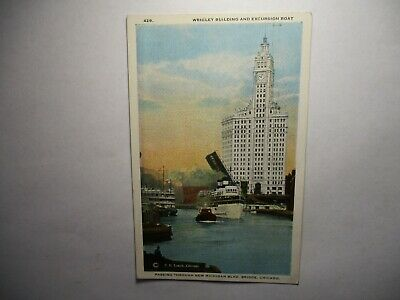 Old Postcard, CHICAGO, ILLINOIS, WRIGLEY BUILDING AND EXCURSION BOAT