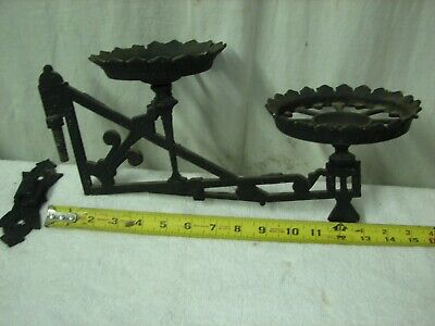 Antique Cast Iron Wall Mount Double Oil Lamp Holder Sconce w Bracket