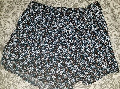 Ladies Maternity over bump floral Shorts Size 16
