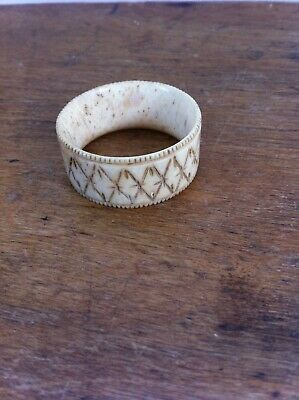 DECORATIVE ANTIQUE CARVED BONE NAPKIN RING 1.75 inches