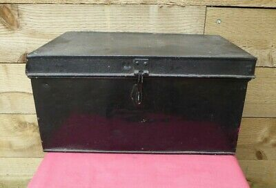 Vintage Large Industrial Metal Chest Trunk Storage Box Coffee Table Toy Box