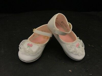 NEW BABY DEER SHOES GIRLS  SIZE 3 INFANT WADDLE TENNIS SHOES