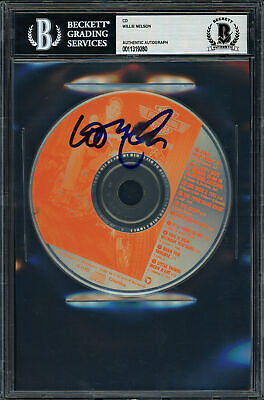 Willie Nelson Authentic Autographed Signed CD Born For Trouble Beckett 11319280