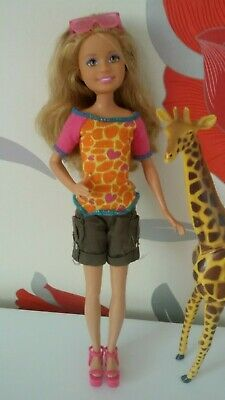 Barbie Sisters Stacie Doll Wearing Safari Outfit Plus Giraffe Figure