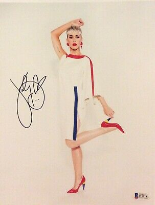 KATY PERRY SIGNED EXCLUSIVE MACY'S PROMO  8x10 PHOTO 4/8/19 BECKETT BAS NYC