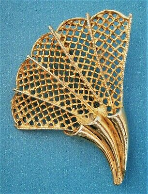 AT634*) Vintage large gold tone metal filigree fan shell Shaped brooch