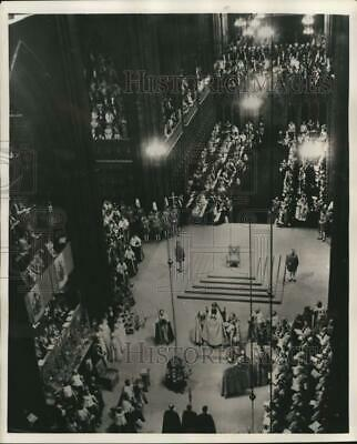 1953 Press Photo A view of the Queen's coronation ceremony in London - lrx52365