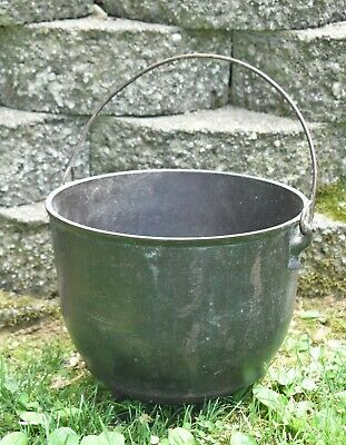 Antique Cast Iron Pot Cauldron Stamped LA 7 with Gate Mark 3 legs Very Old