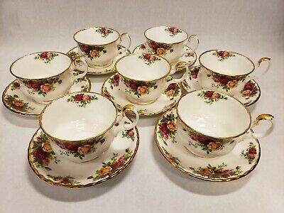 Set of 7 Royal Albert Bone China England Old Country Roses Breakfast Cup Saucer