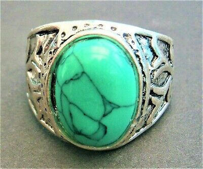 AT249*) Ethnic Tribal silver tone faux agate green glass coloured stone ring