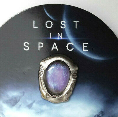 "Lost in Space Netflix Series ""Robot Face"" Metal Lapel Pin- 1"" on Card (LSPI-01)"