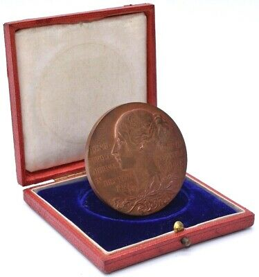 Queen Victoria Young Bun Head Veil Old Head Large Medallion 77g Bronze + BOX