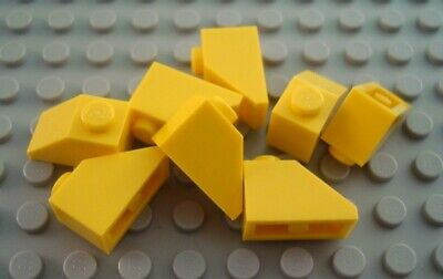 LEGO Lot of 12 Yellow 1x2x2//3 Mini Roof Slope Pieces