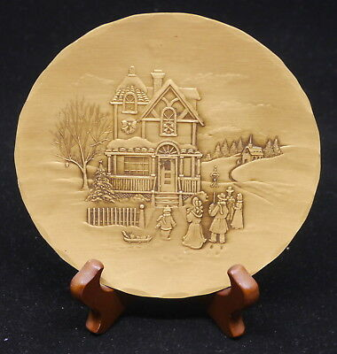 Vintage Wendell August Forge Bronze Plate & Stand, Christmas Carolers, 5.75 In