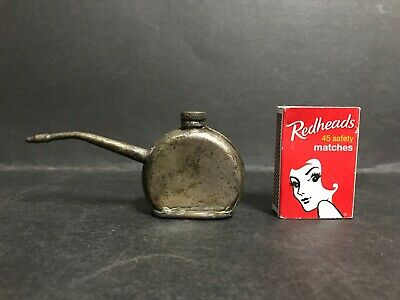 VINTAGE 1930's SMALL OIL CAN