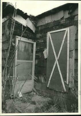1986 Press Photo Fire Damage at the Home of Joe Nosyzski on 106 Fabius Road