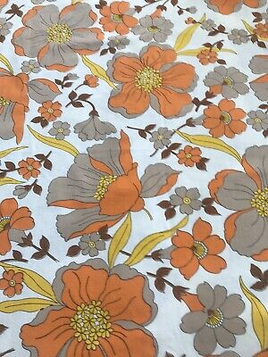 Vintage 1970s Flower Sheet Fabric,ideal for dressmaking 116 Cm  By 113 Cm