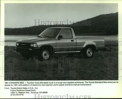 1991 Press Photo A new standard bed 5-speed two-door Toyota pickup truck