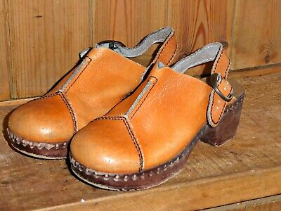 Vintage 70S Childrens Tan Leather Clogs Size 30 Approx Kids 11 Boho Hippy Kid