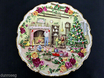 OLD COUNTRY ROSES CHRISTMAS WARMTH PLATE, 1st QUALITY, VGC, 1989, ROYAL ALBERT