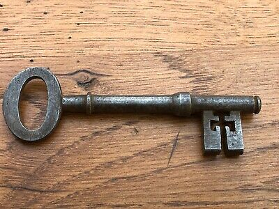 late victorian or edwardian door key  . ref 4