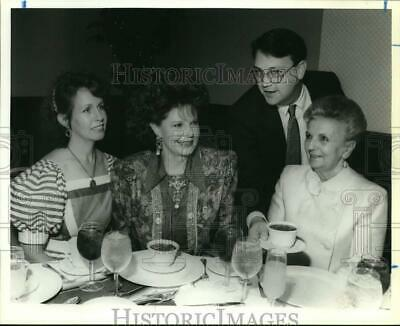 1990 Press Photo Organizers of Woman's Club of San Antonio at Fiesta Luncheon