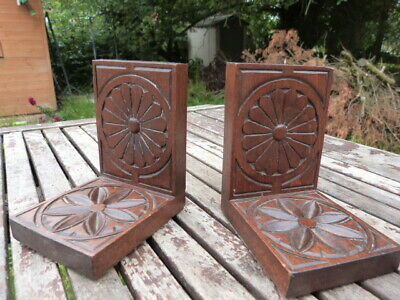 Lovely Pair Of Antique Vintage Carved Oak Bookends.